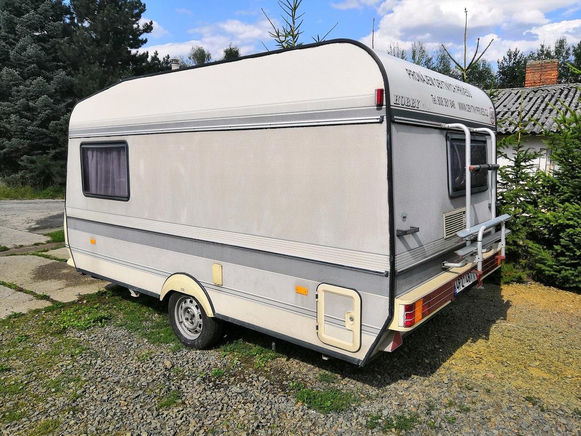 25m přívěs pro karavan